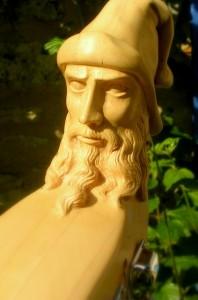 Crosse sculptée vielle à roue